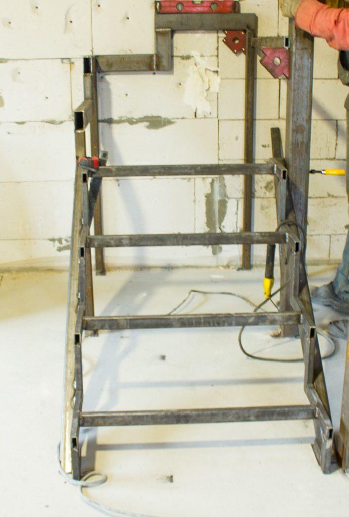 Фото лестницы-под-заказ-закрытый-тип-2