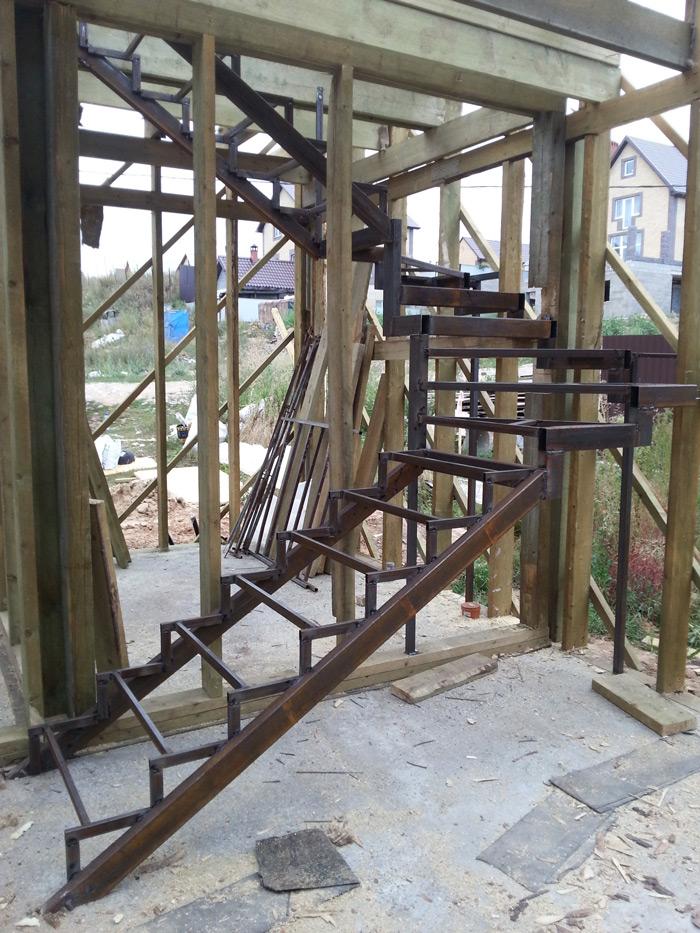 Фото Открытый-каркас-лестницы