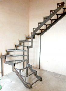 Фото Лестница-на-второй-этаж-123