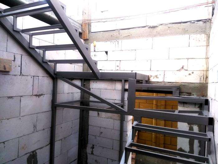Лестница на второй этаж картинка 125