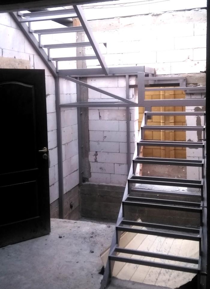 Лестница на второй этаж картинка 126