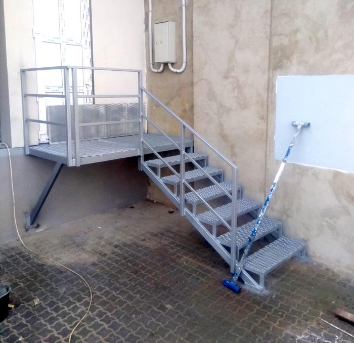 Наружные-лестницы-под-заказ-фото