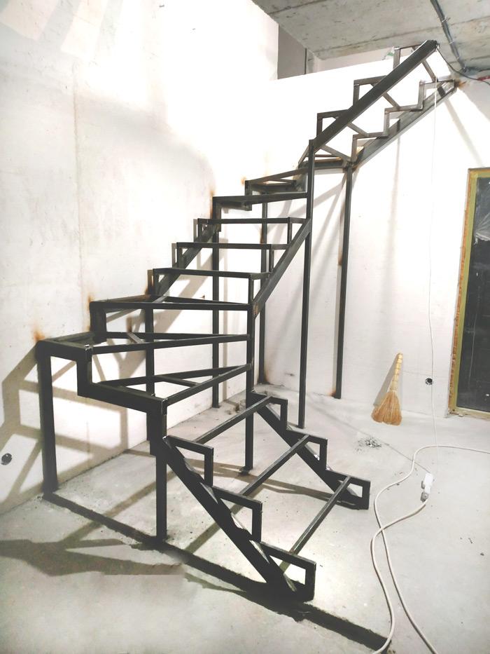Металлическая лестница Балковская картинка 2