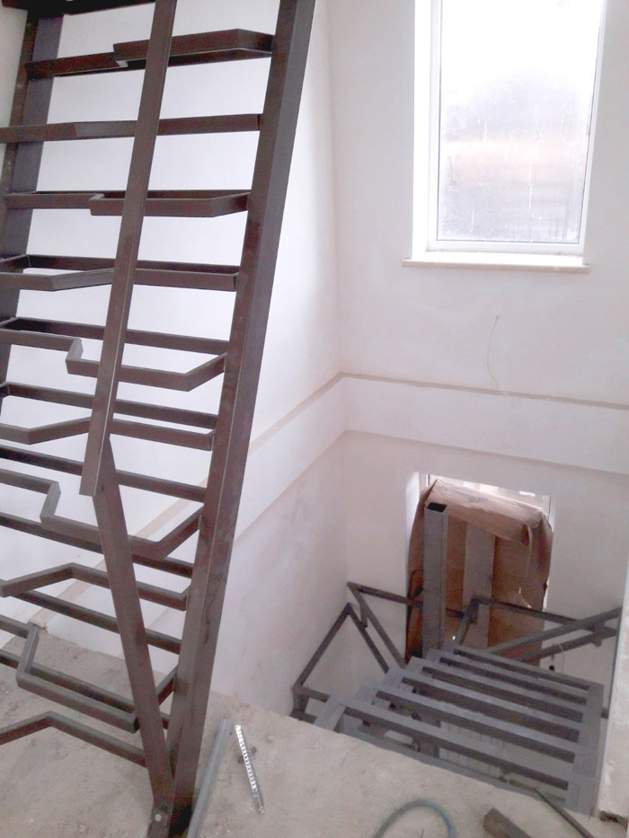 """Лестница по типу """"гусиного шага"""" фото 2"""