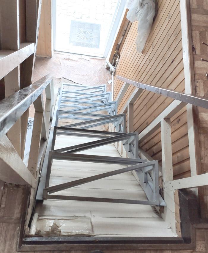 """Лестница по типу """"гусиного шага"""" фото 4"""